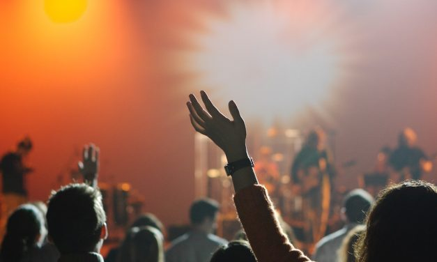 7 Questions to Ask About the Length of a Worship Service