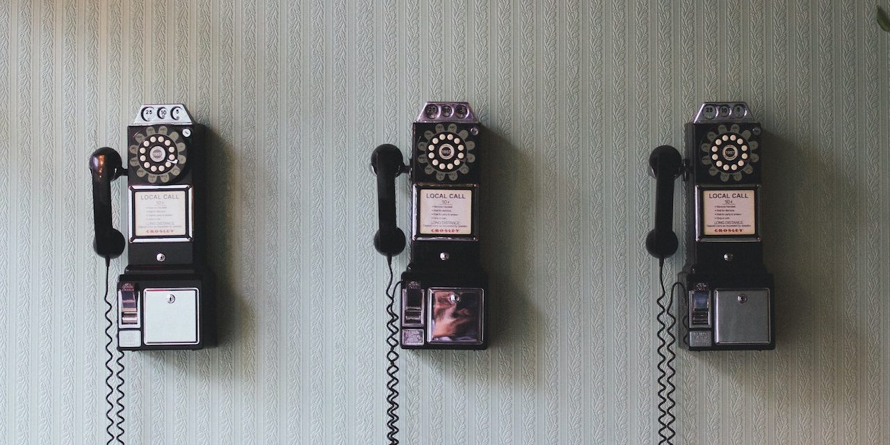 7 Reasons an Unexpected Short Phone Call from a Pastor/Worship Leader Can Be Encouraging